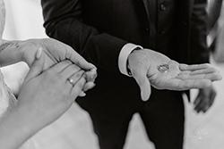 alliances mariage cérémonie laïque