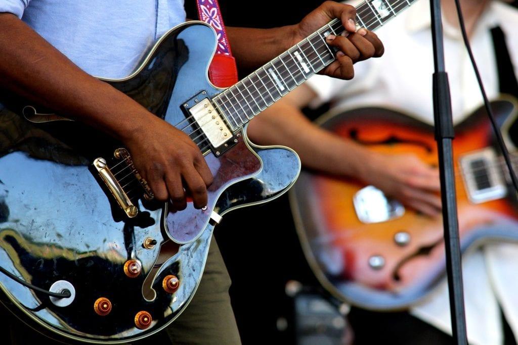 Groupe de musique guitare concert vin d'honneur