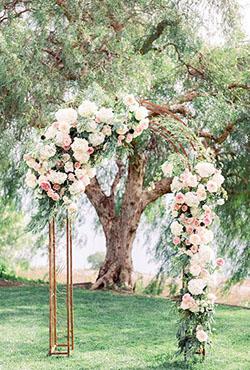 Arche ronde fleurie rose