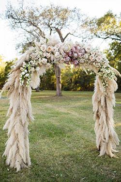 Arche arrondie fleurs et pampas
