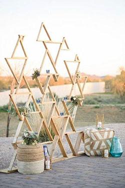 Arche contemporaine avec triangle