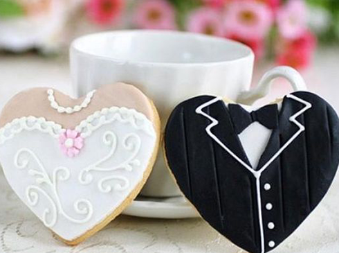 Biscuits coeurs mariés cadeaux invités mariage