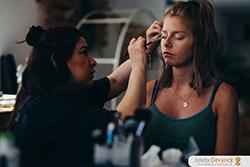 """Maquillage et coiffure pour la mariée lors d'un Shooting d'inspiration pour un mariage """"Back to 80's"""""""