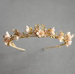 Couronne de strass et fleurs