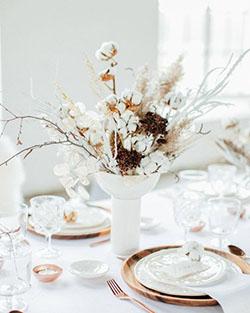 Centre de table avec bouquet en coton