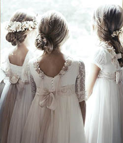 Robes de petites filles en organdi