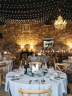Décoration de salle naturelle pour un mariage