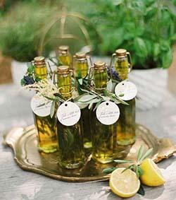 mini bouteille d'huile d'olive