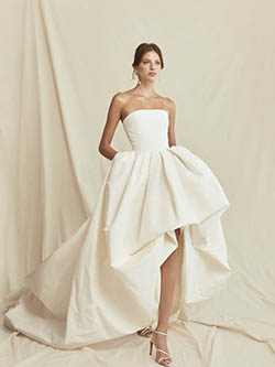robe asymétrique évasé moderne