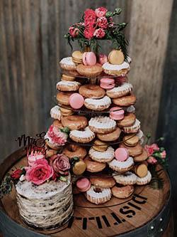pièce montée en donuts pour mariage
