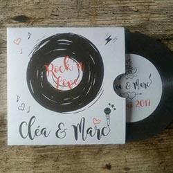 Faire-part de mariage sous forme de disque vinyle