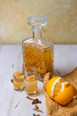 bouteille de rhum arrangé aux oranges