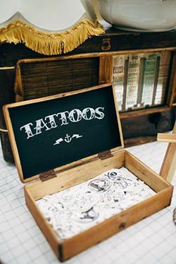 Bar à tatouages