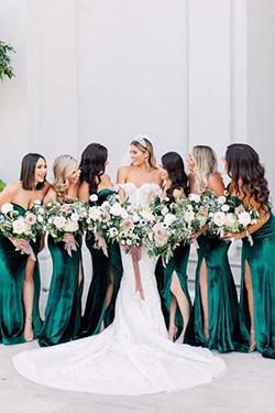 Les demoiselles d'honneur en robe vert
